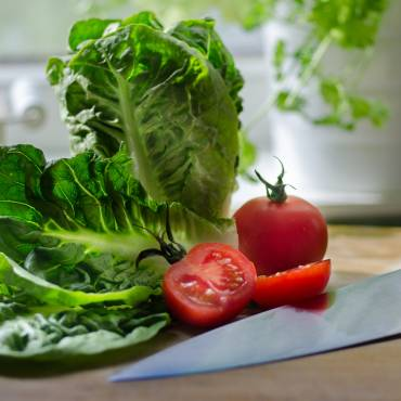 HEALTHY EATING AND CANCER